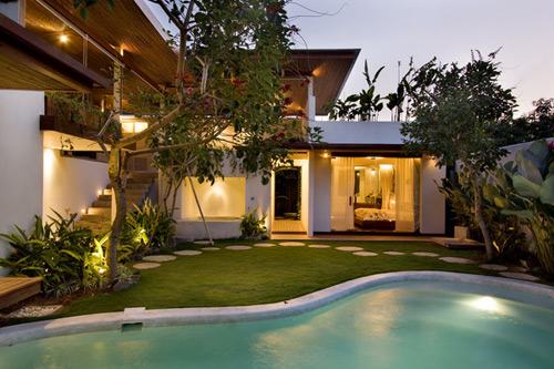 Kiss Villas