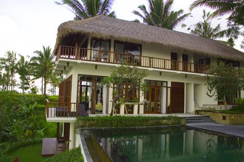 Villa Awan Biru