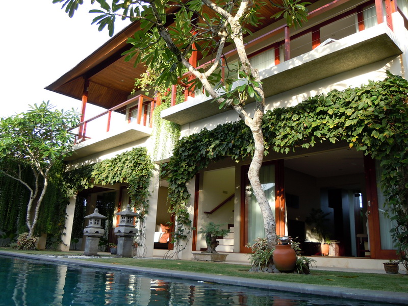 Villa Tenang