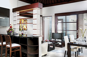 Bar Living and Dining - Bugan Villas