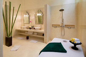Master Bathroom - Villa Mako